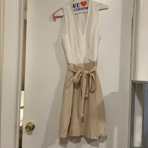 Ann Taylor dress size 4 - tan/cream